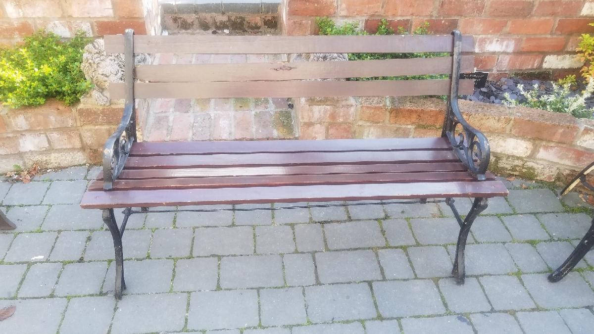 Swell Cast Iron Bench Needs Tlc Dailytribune Chair Design For Home Dailytribuneorg