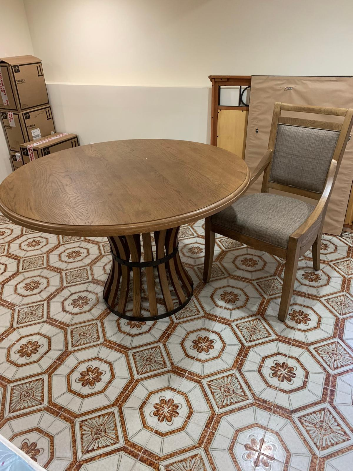 brand new never used dining room table set in 07002