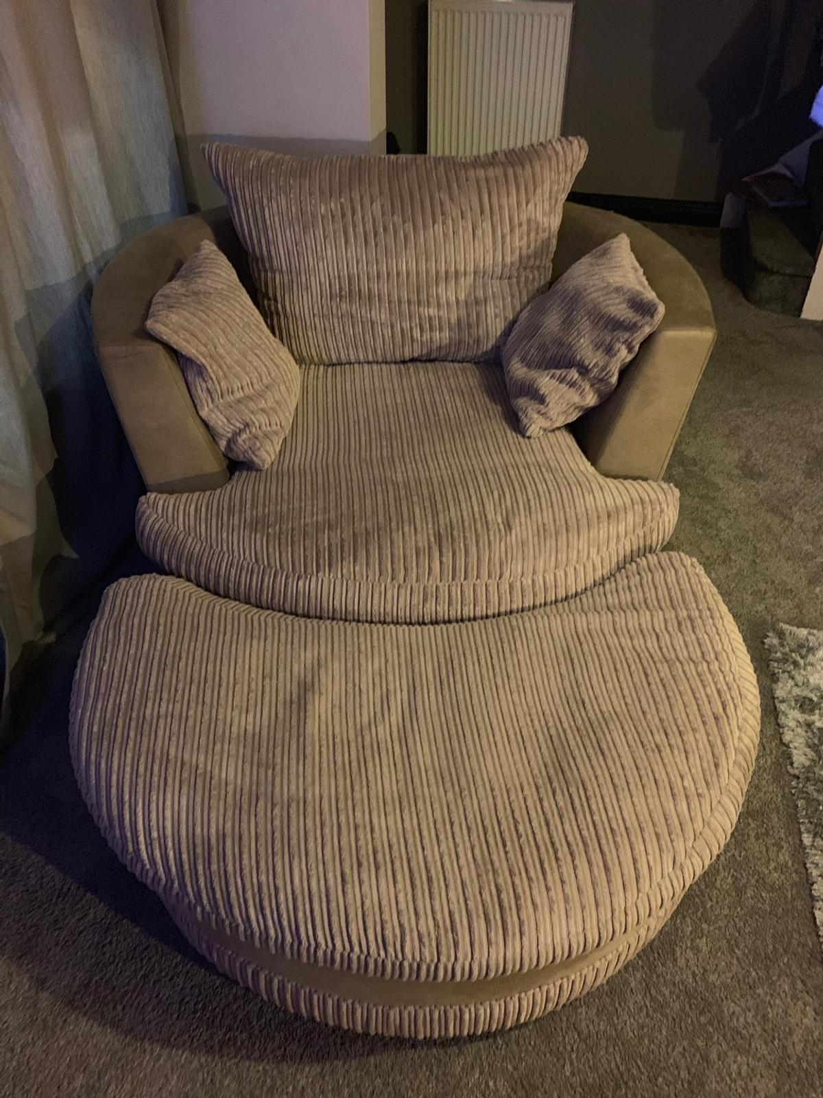 Enjoyable Sofa And Chair In St7 Lyme For 100 00 For Sale Shpock Dailytribune Chair Design For Home Dailytribuneorg