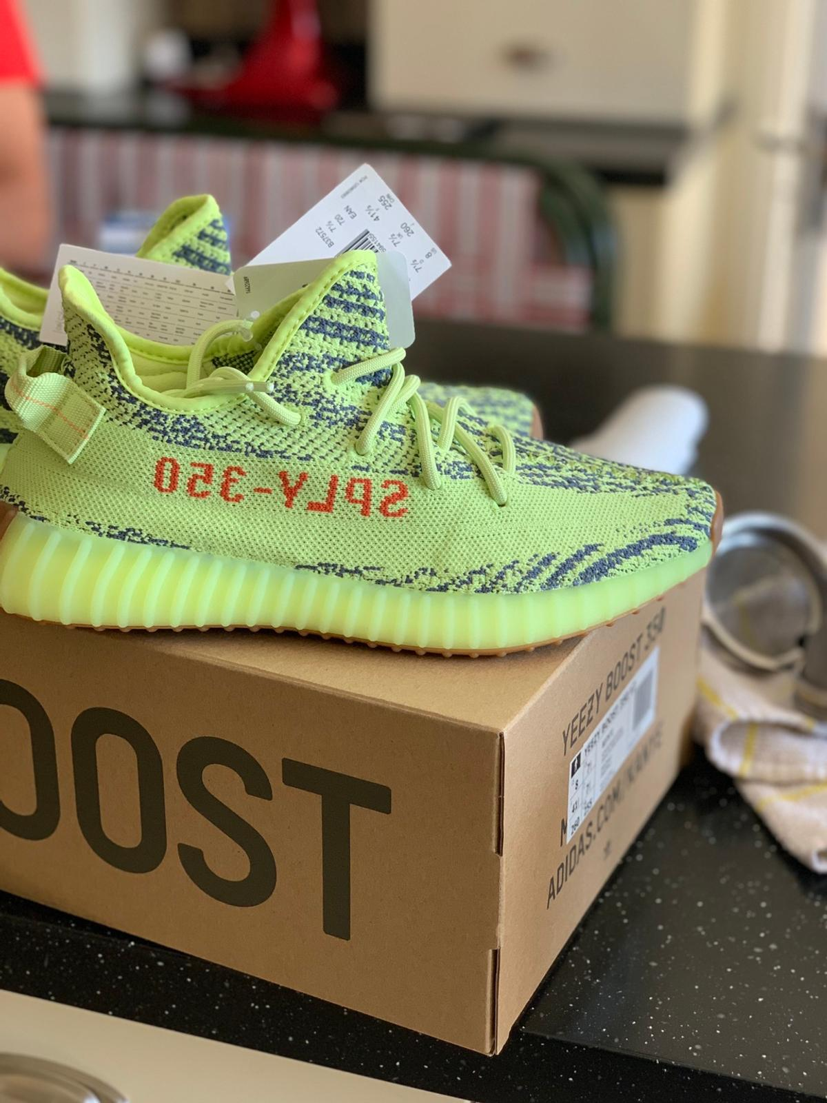 NEW Yeezy Boost 350 Semi Frozen Yellow UK7.5 in DA1 Dartford