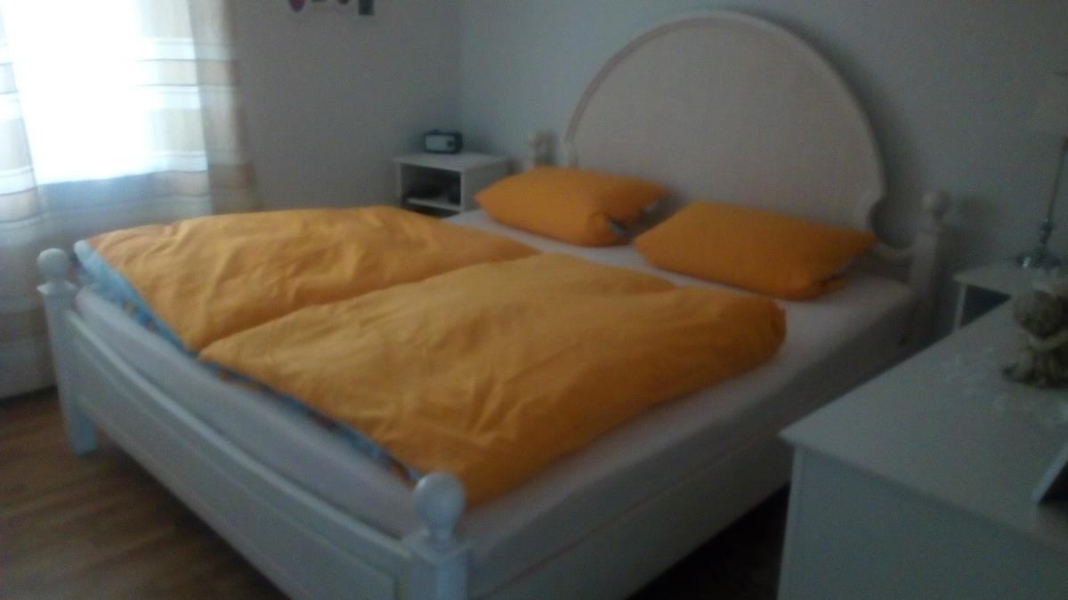 Vollholz Bett In 68307 Mannheim For 90 00 For Sale Shpock