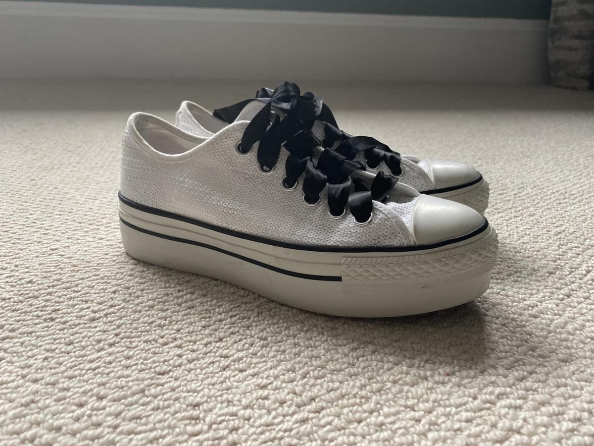 the best attitude best sneakers skate shoes White sequin converse platforms