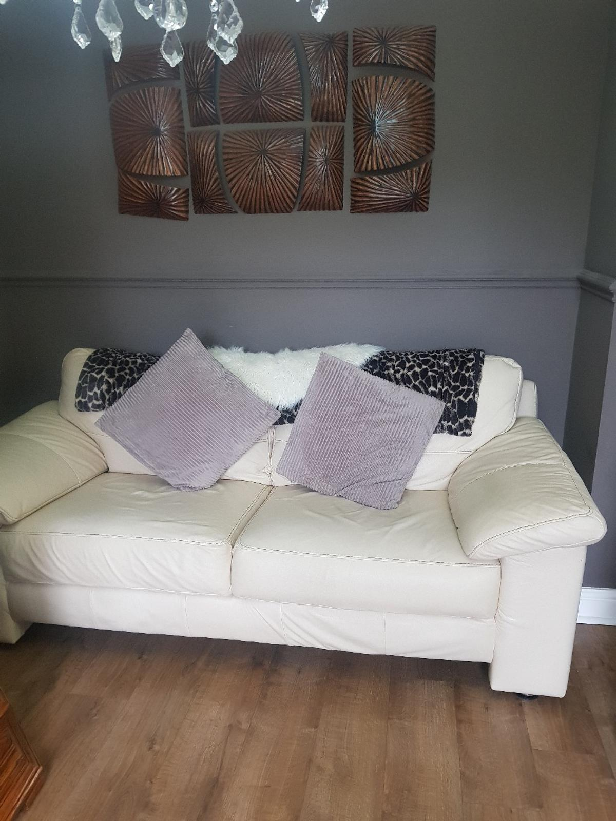 Awesome Rhino Leather Dfs 2 3 Seater Sofas In Cw7 Winsford For Ocoug Best Dining Table And Chair Ideas Images Ocougorg