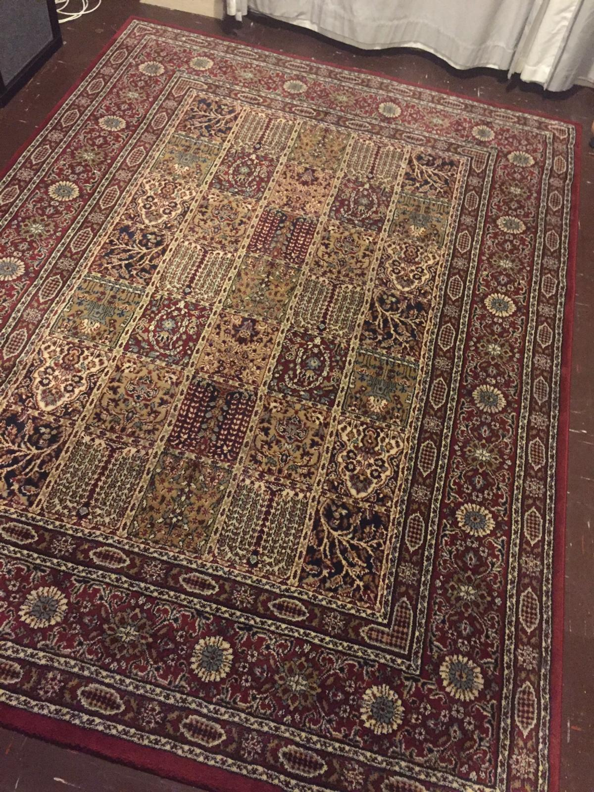 Stylish low pile rug in NW9 Barnet for