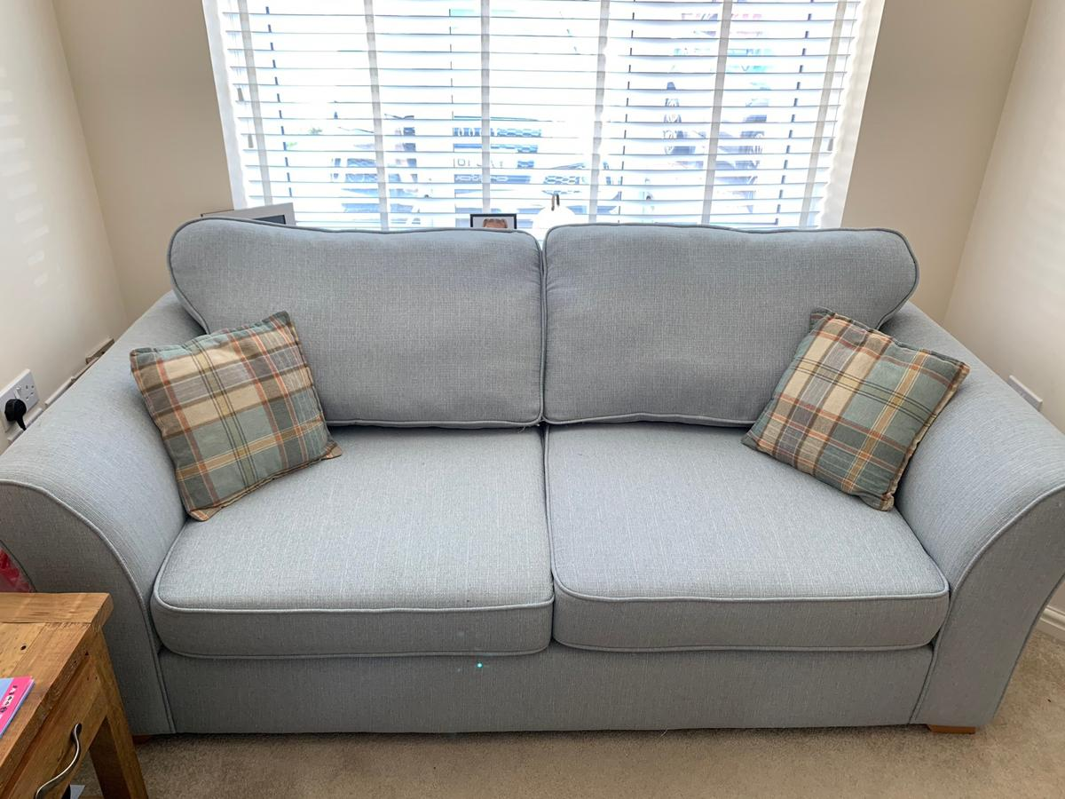 Dfs 3 Seater Sofa With 2 Cushions In