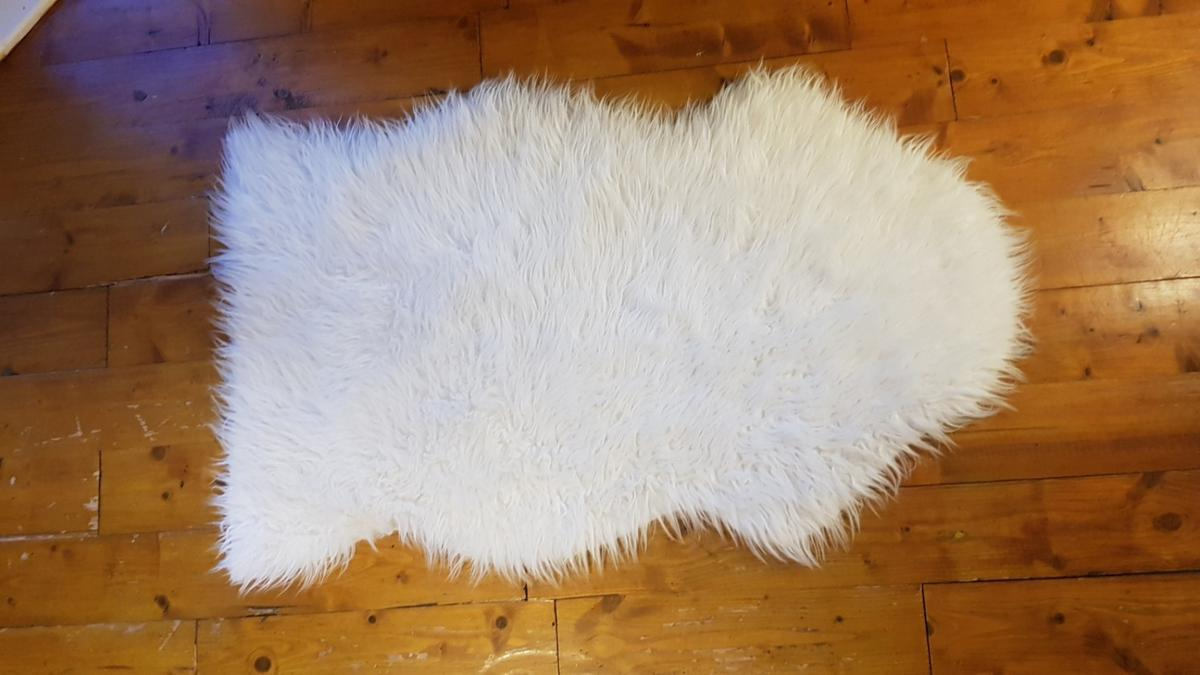 White Fake Sheepskin Rug Ikea In Se5