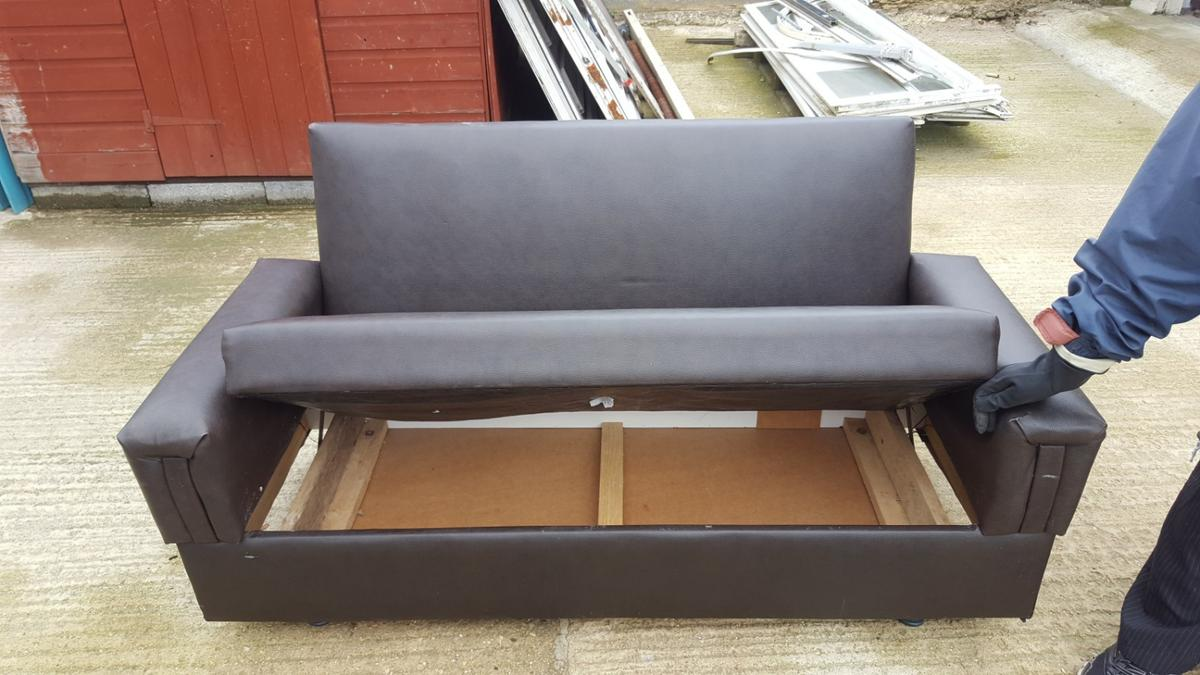 Small Sofa In Slough For 30 00 For Sale Shpock