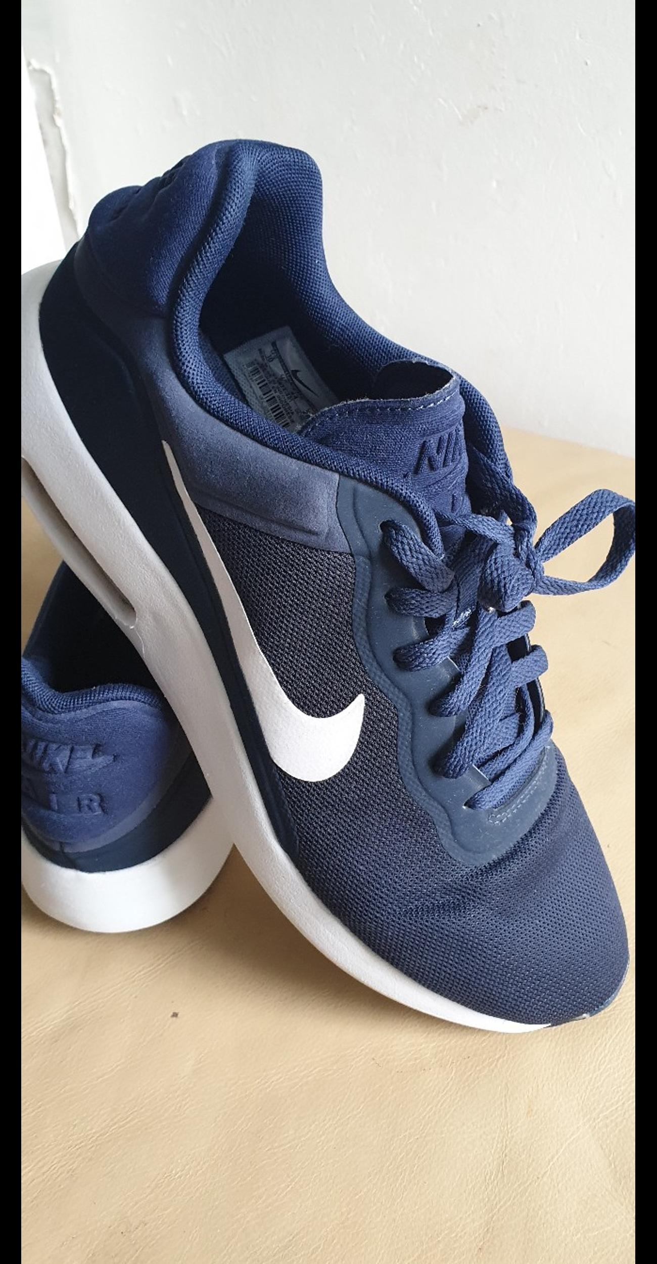 MENS NIKE AIR MAX ESSENTIAL TRAINERS UK 9 in SW9 London for