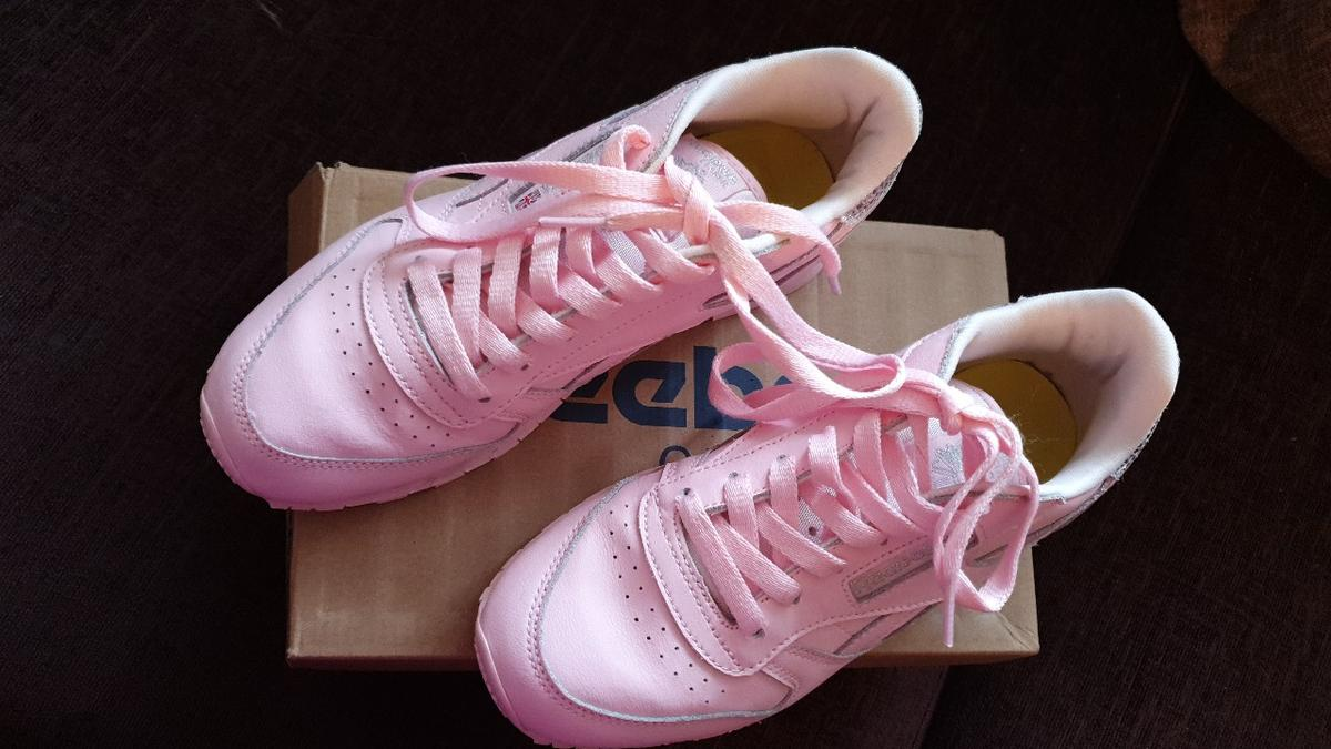 Reebok classic pink trainers size 3 in TN39 Rother for