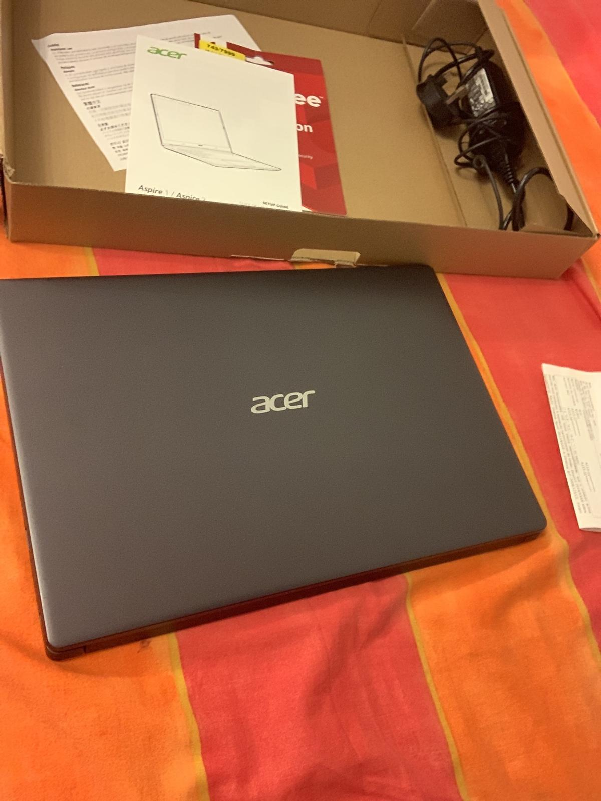 Acer Aspire 3 8gb Ram Amd A9 1tb Radeon Graph In M14 Manchester For 290 00 For Sale Shpock