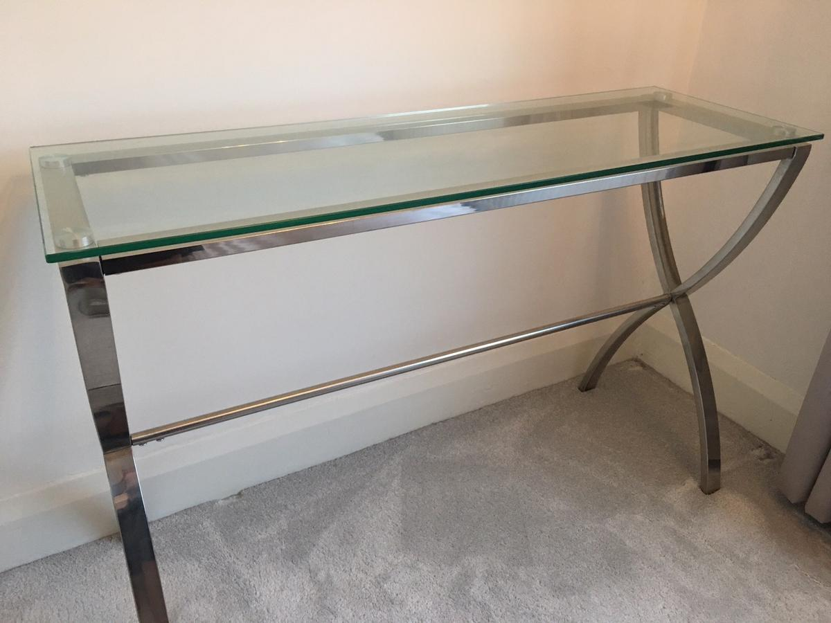 Picture of: Glass Console Table In St5 Lyme For 20 00 For Sale Shpock