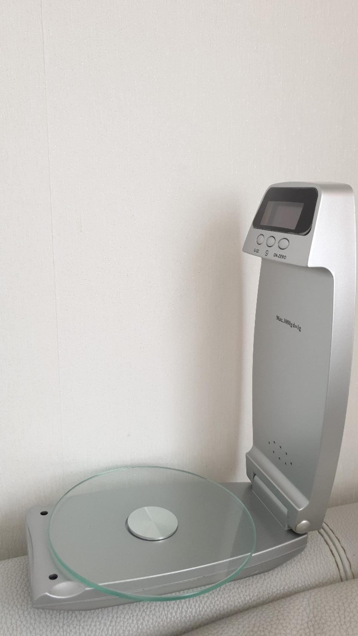 Digital Wall Mounted Kitchen Scales Plus In Sm4 London For 12 00 For Sale Shpock