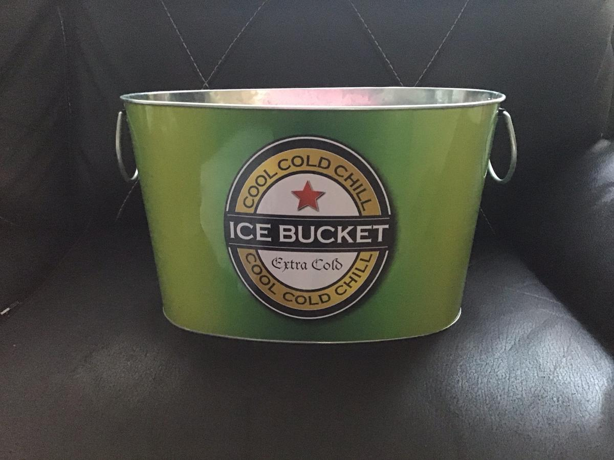 Large Ice Bucket In Bl9 Bury For 10 00 For Sale Shpock