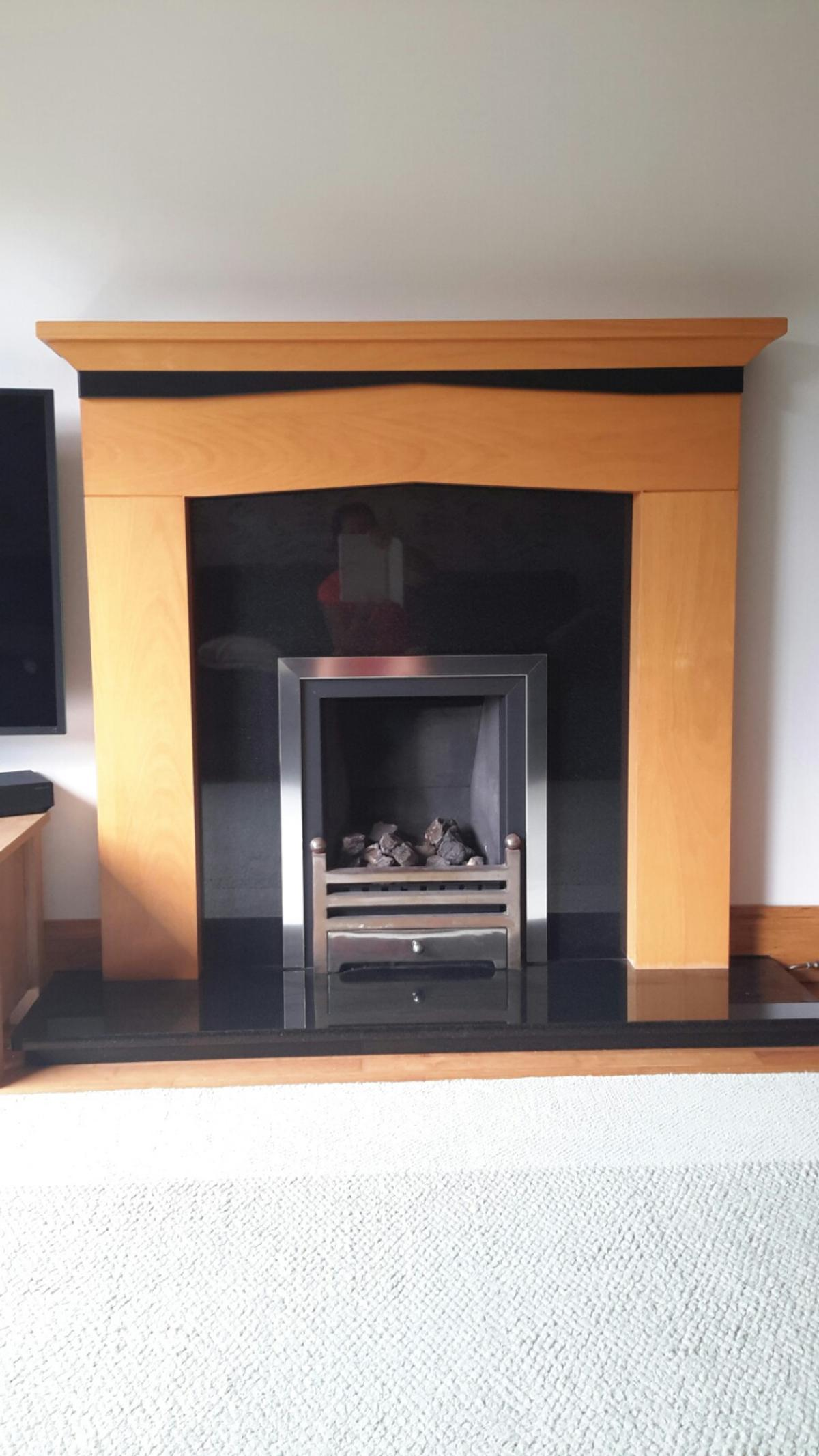 Fireplace Surround And Black Marble Hearth In Cm3 Maldon For 45 00 For Sale Shpock