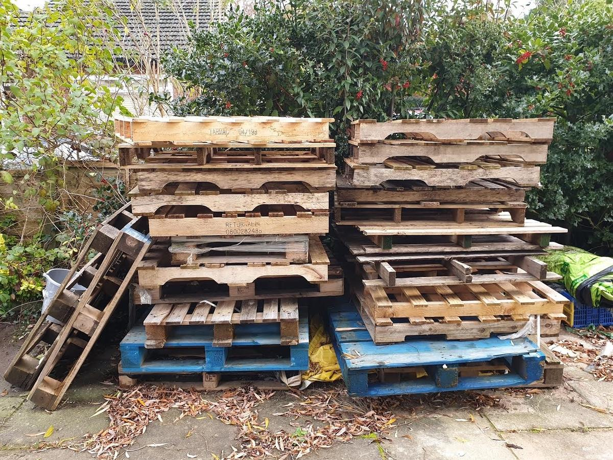 Wooden Pallets in Trafford for free for sale   Shpock