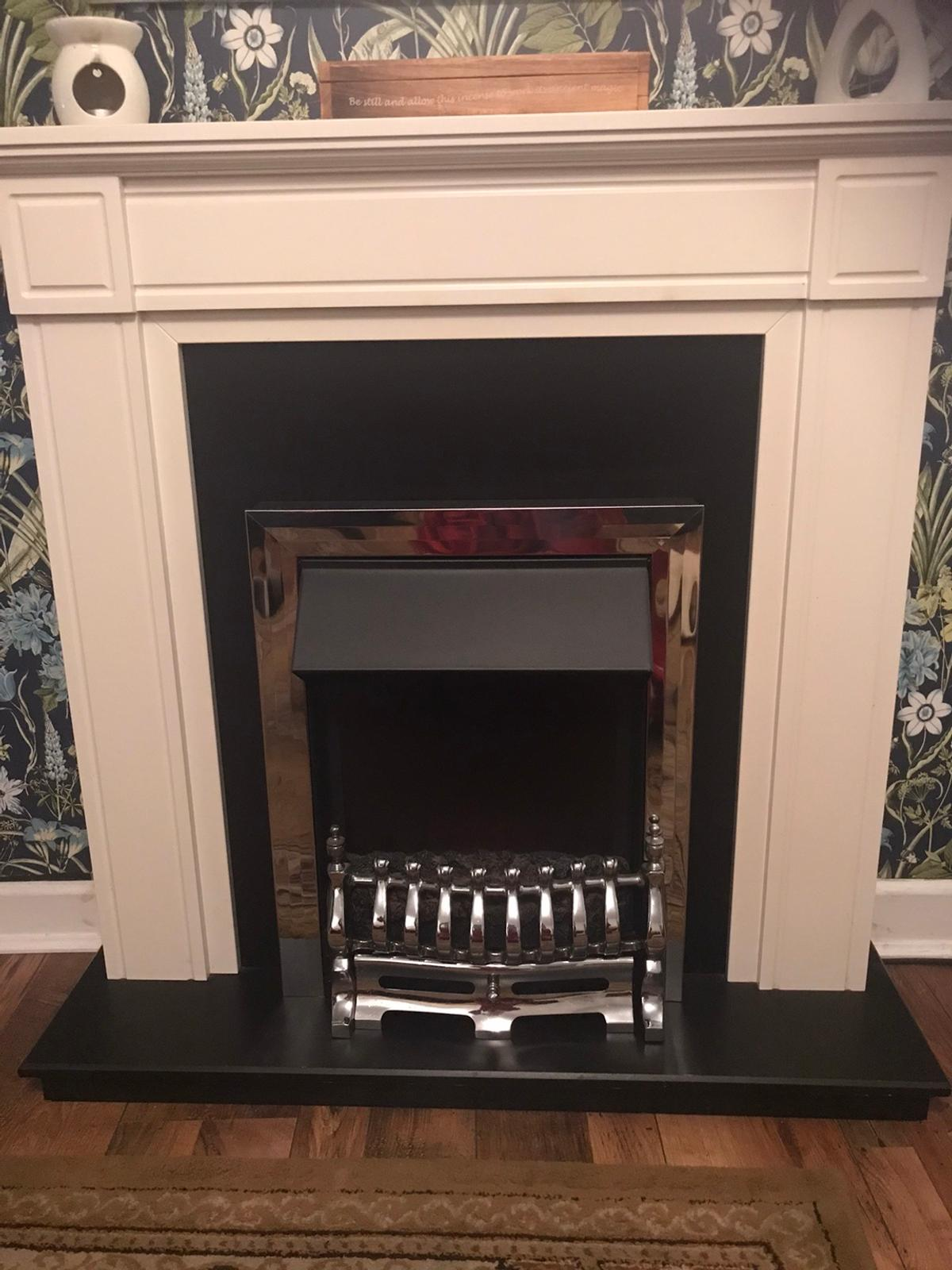 Electric Fire With Surround In Np22 Tredegar For 25 00 For Sale Shpock