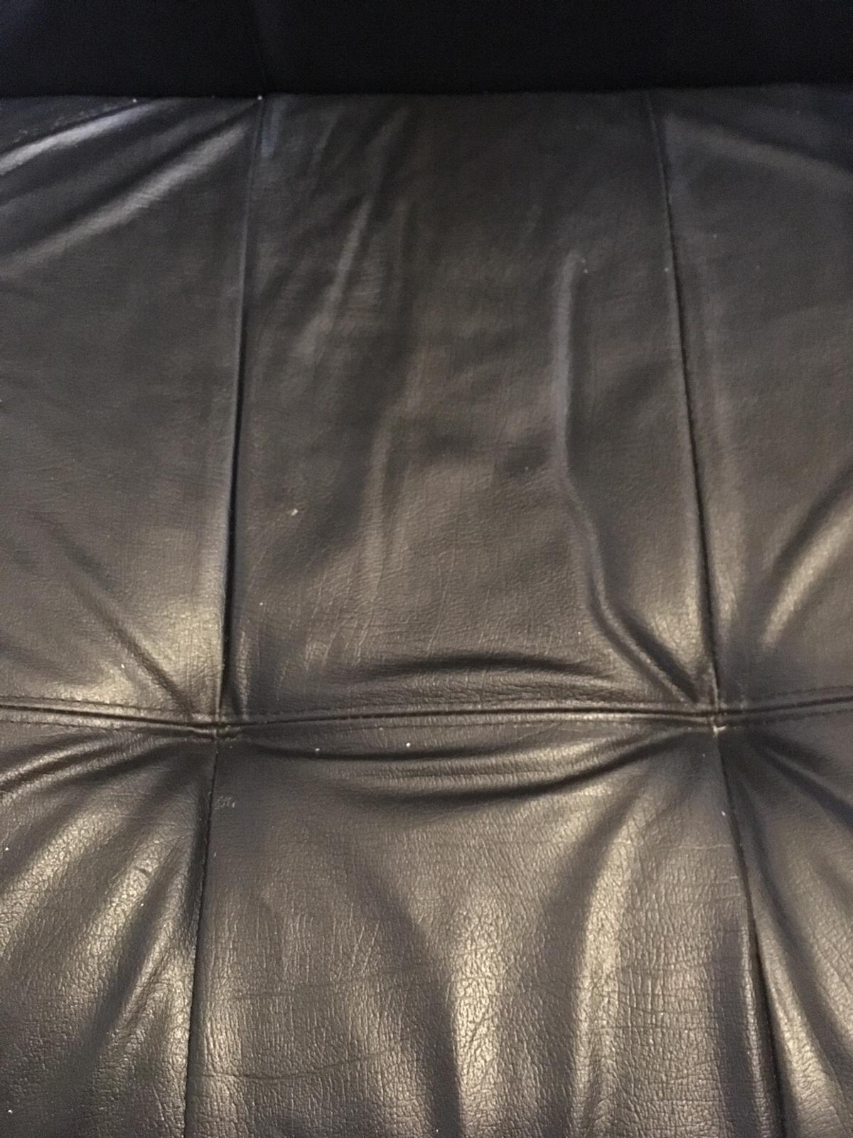 Black Leather office chair In excellent condition. Tilt and height adjustable