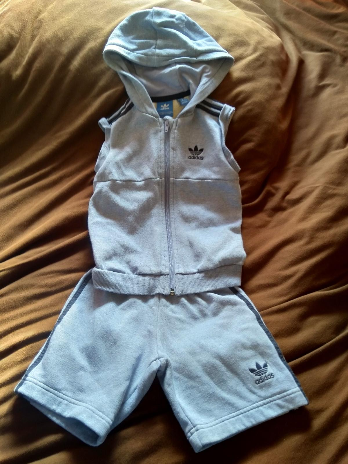 boys age 3/4years adidas short sleeve top and shorts good condition