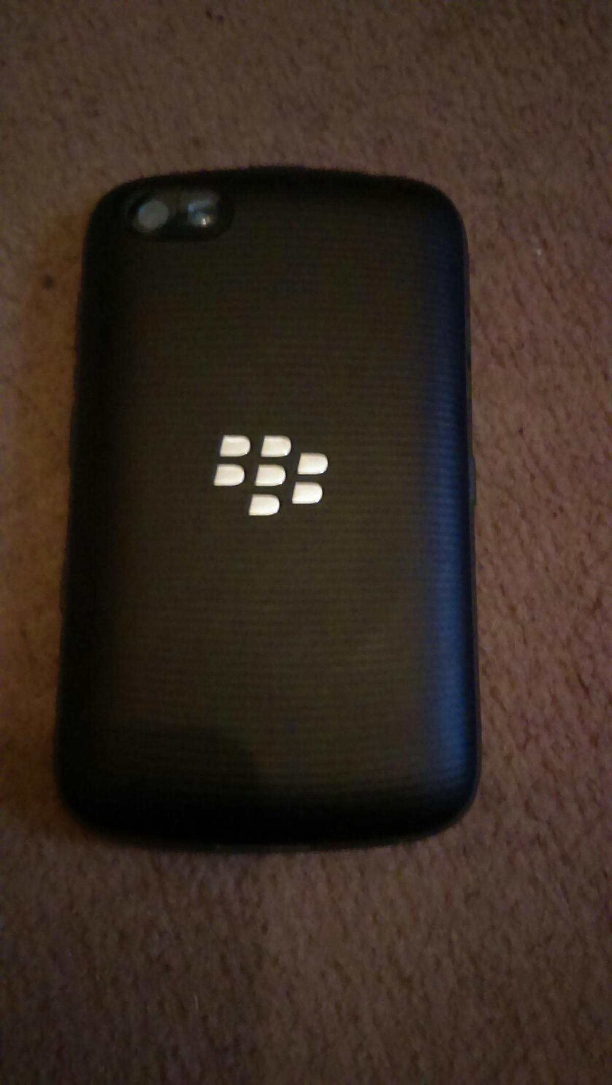 Touch screen blackberry available open to vodofone and lebara network, fully working, few scratches on screen