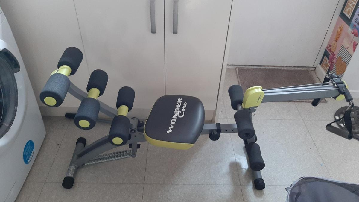 wonder core 2 brilliant little gym immaculate condition not used anymore. folds up for easy storage 45.00 ono