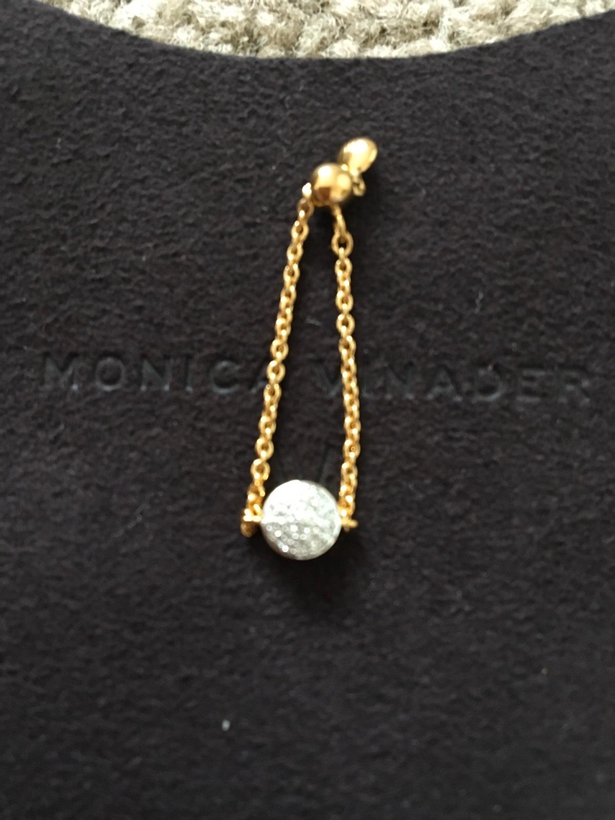 Fiji Mini Button Friendship Chain Diamond Ring in 18ct Gold Vermeil is an essential addition to your jewellery collection. Measuring 6 mm in width and 61.5 mm in depth with 19 set pavé diamonds totalling 0.05 carats, this beautiful ring is adjustable up to size T through a small, sliding ball. Stack it with our other friendship chain rings or style it with chain bracelets for a new take on everyday fine jewellery.  PLEASE NO PAYPAL DUE TO FRAUDSTERS  CASH ON COLLECTION OR BANK TRANSFER ONLY.