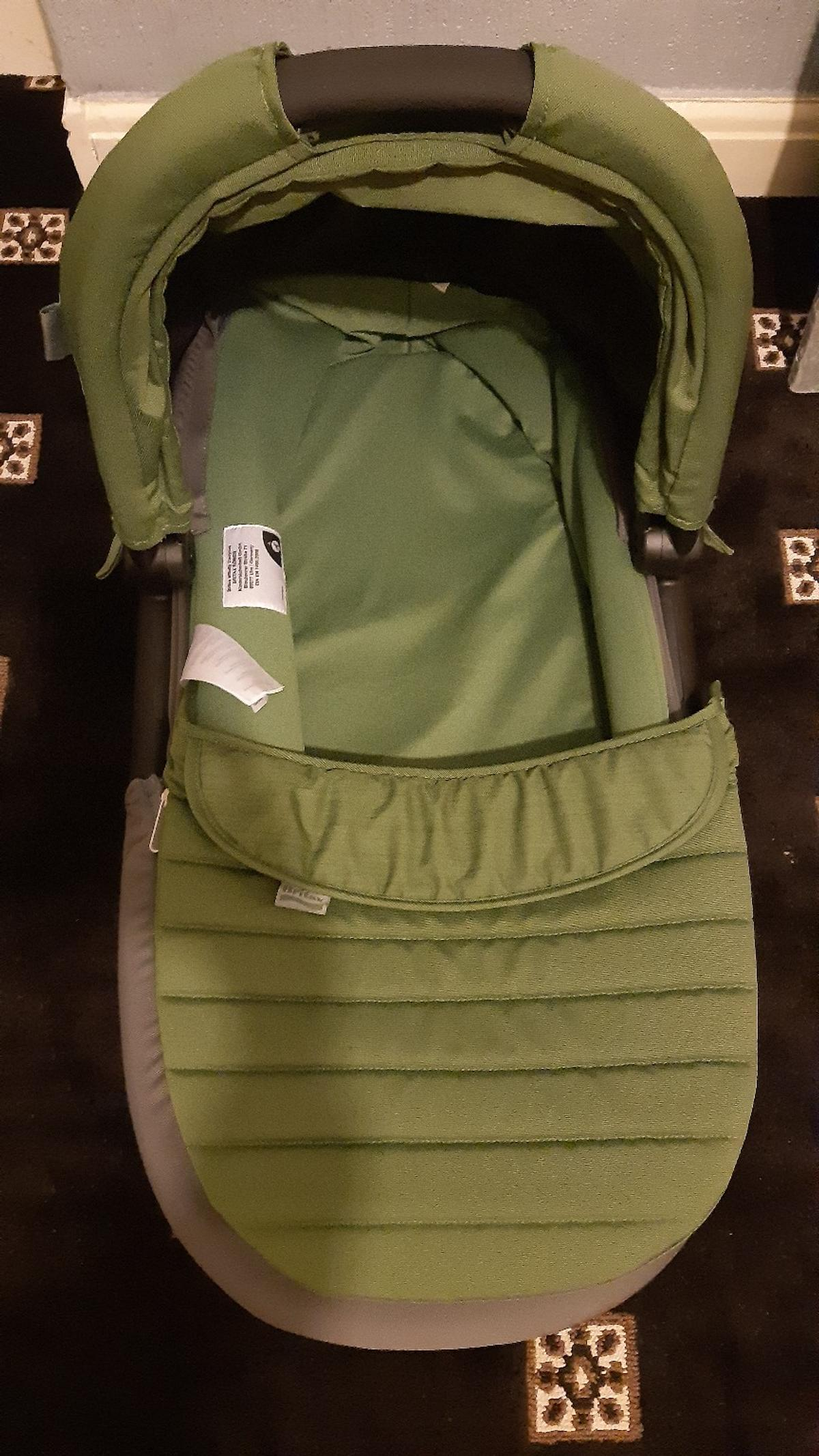Britax Brand new baby carrycot green cactus colour make offers plz