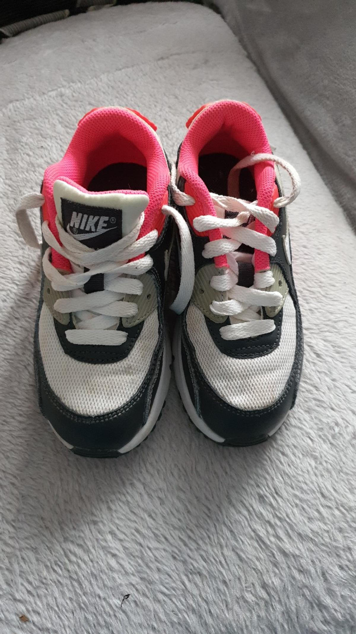 nike trainers size 28.5 excellent cond loads of life in them