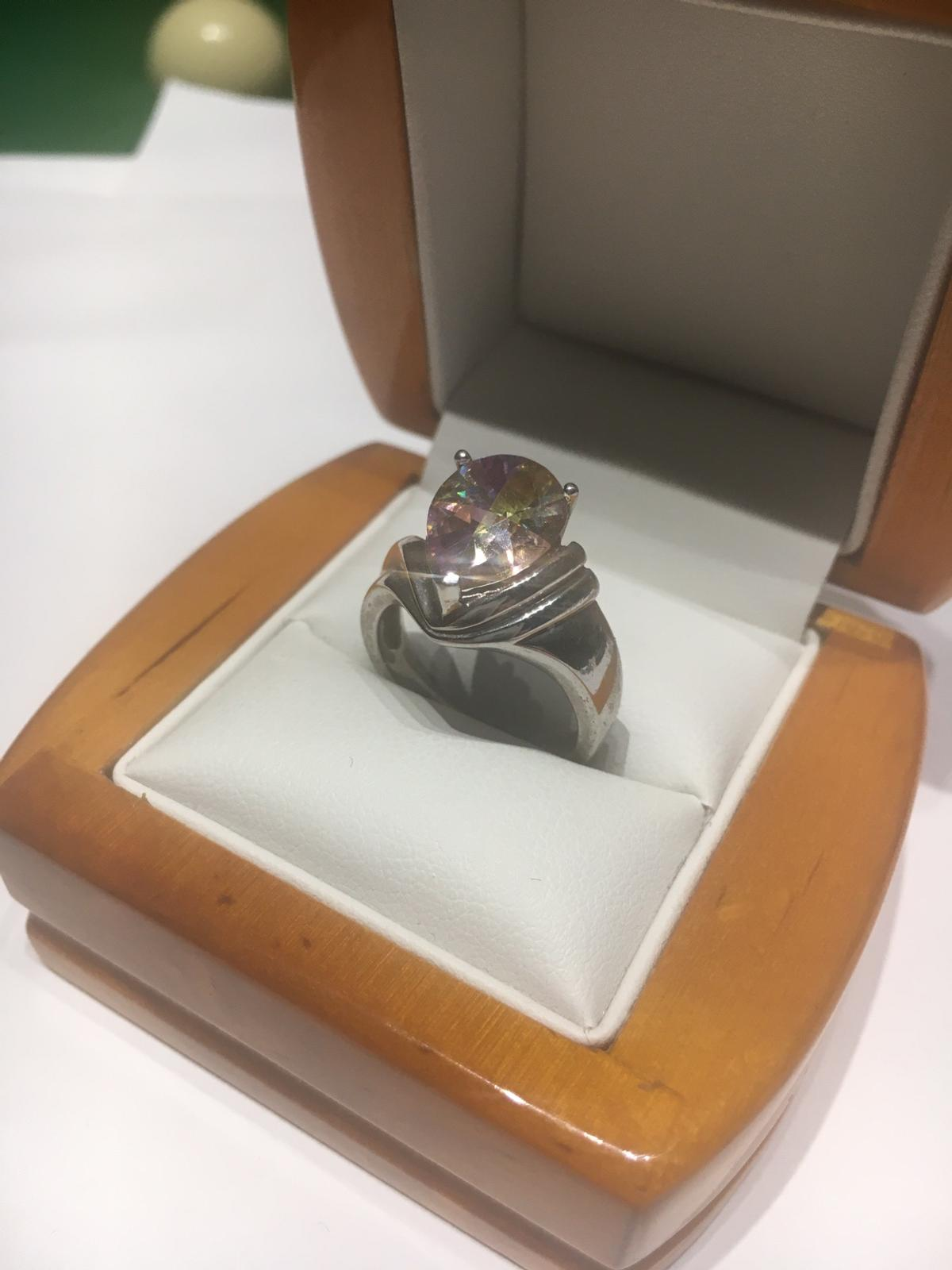 LARGE 925 STERLING SILVER RING WITH A RAINBOW COLOUR CUBIC ZIRCONIA
