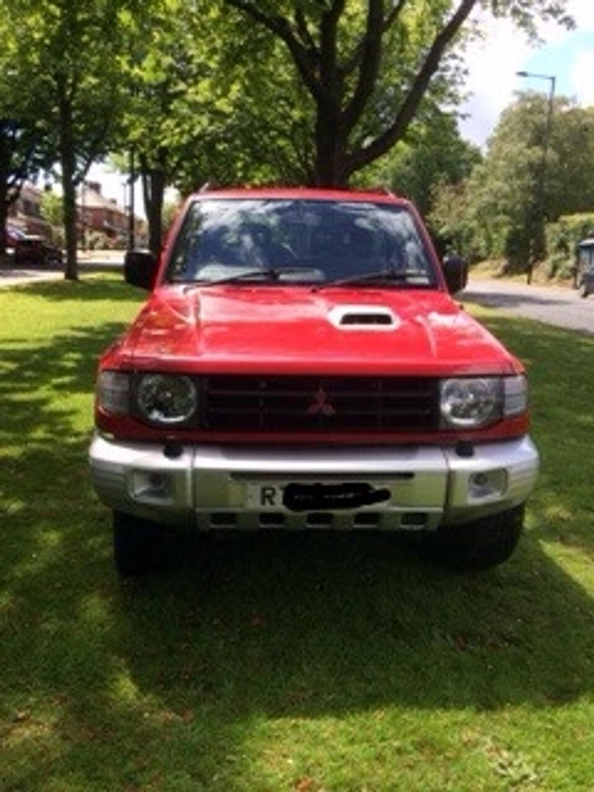 Bulbar comes with spotlights, no dents or damage, comes with fittings, came off shogun in picture