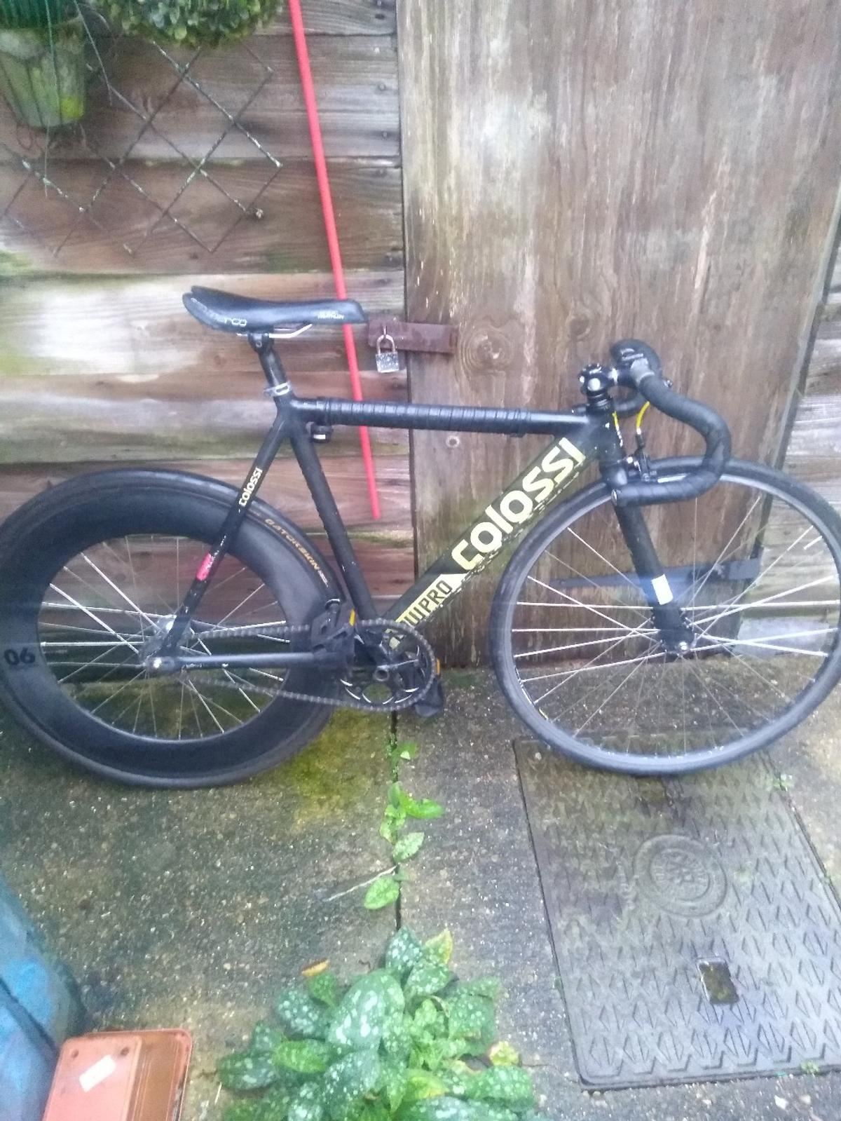 lowpro colossi bike great bike very light and fast ,body paint in places has a few marks but running fine open to offers and swaps.
