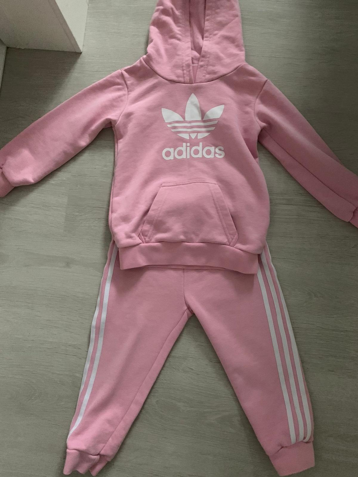 algas marinas Persistencia Económico  Baby girl Adidas tracksuit in L33 Knowsley for £20.00 for sale | Shpock