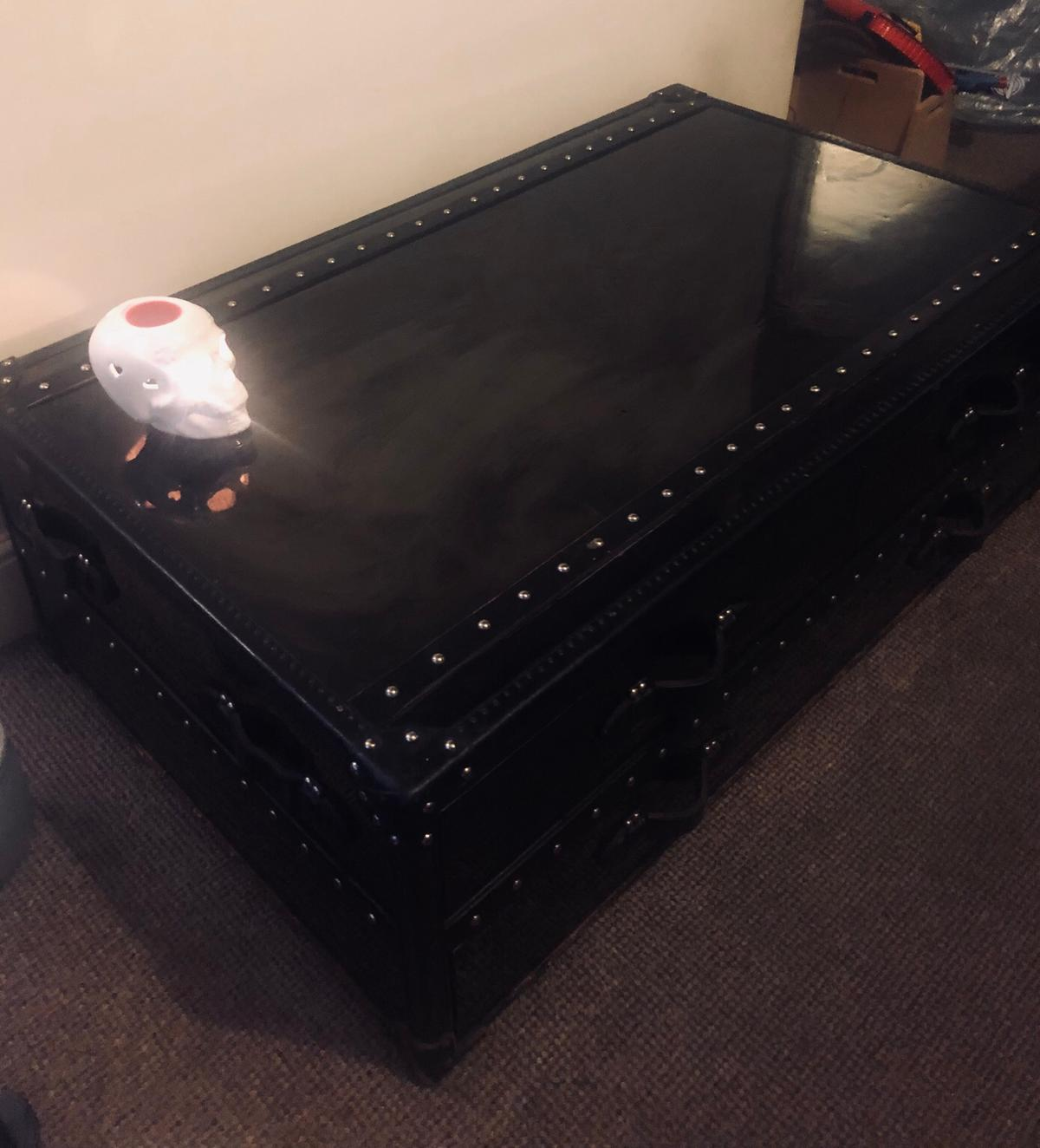 Black Coffee Table Trunk High Gloss In Ol7 Tameside For 300 00 For Sale Shpock