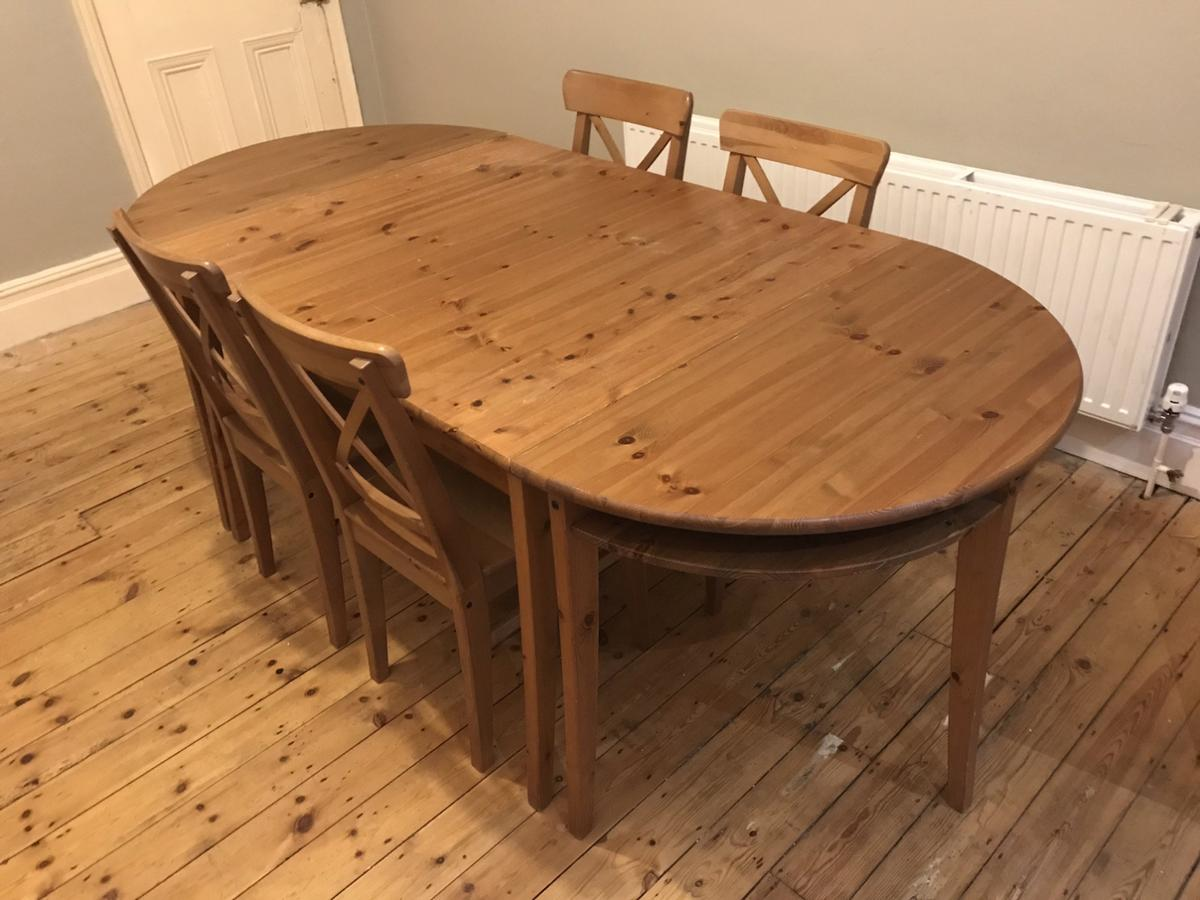 Solid Pine table & 7 chairs in CR7 London for £7.7 for sale