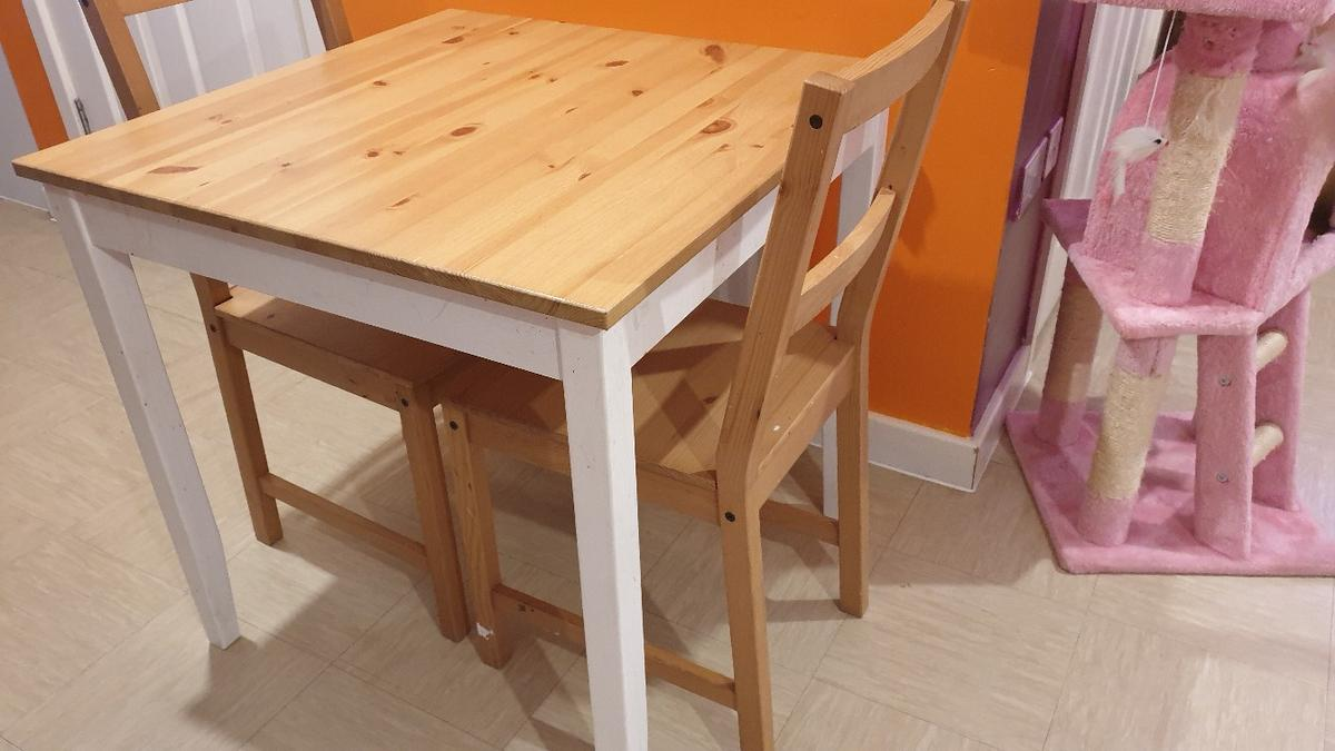 Dining Table In Sw16 London For 50 00 For Sale Shpock
