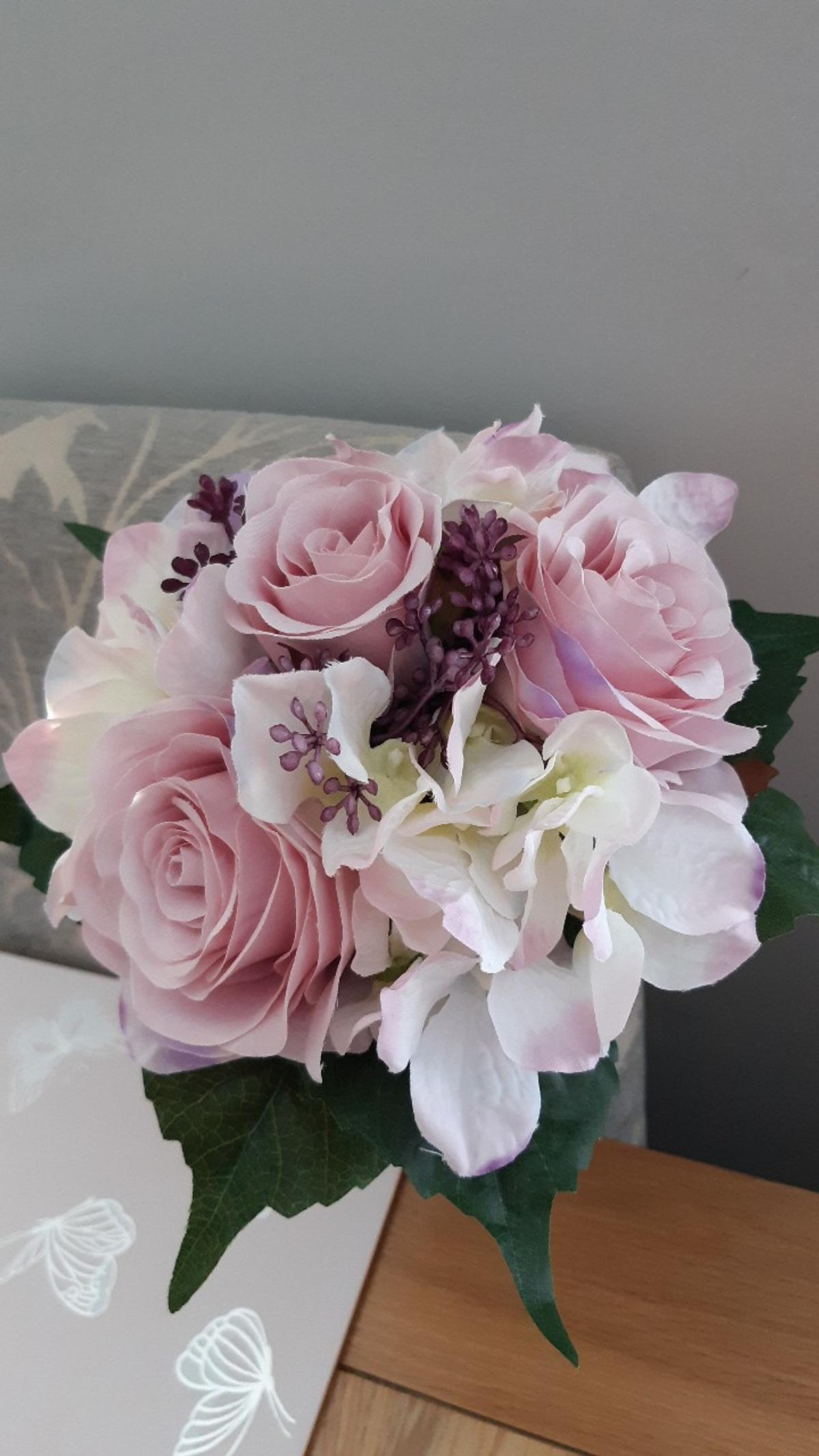 Laura Ashley Artificial Flowers In Se9 Bromley For 7 00 For Sale Shpock