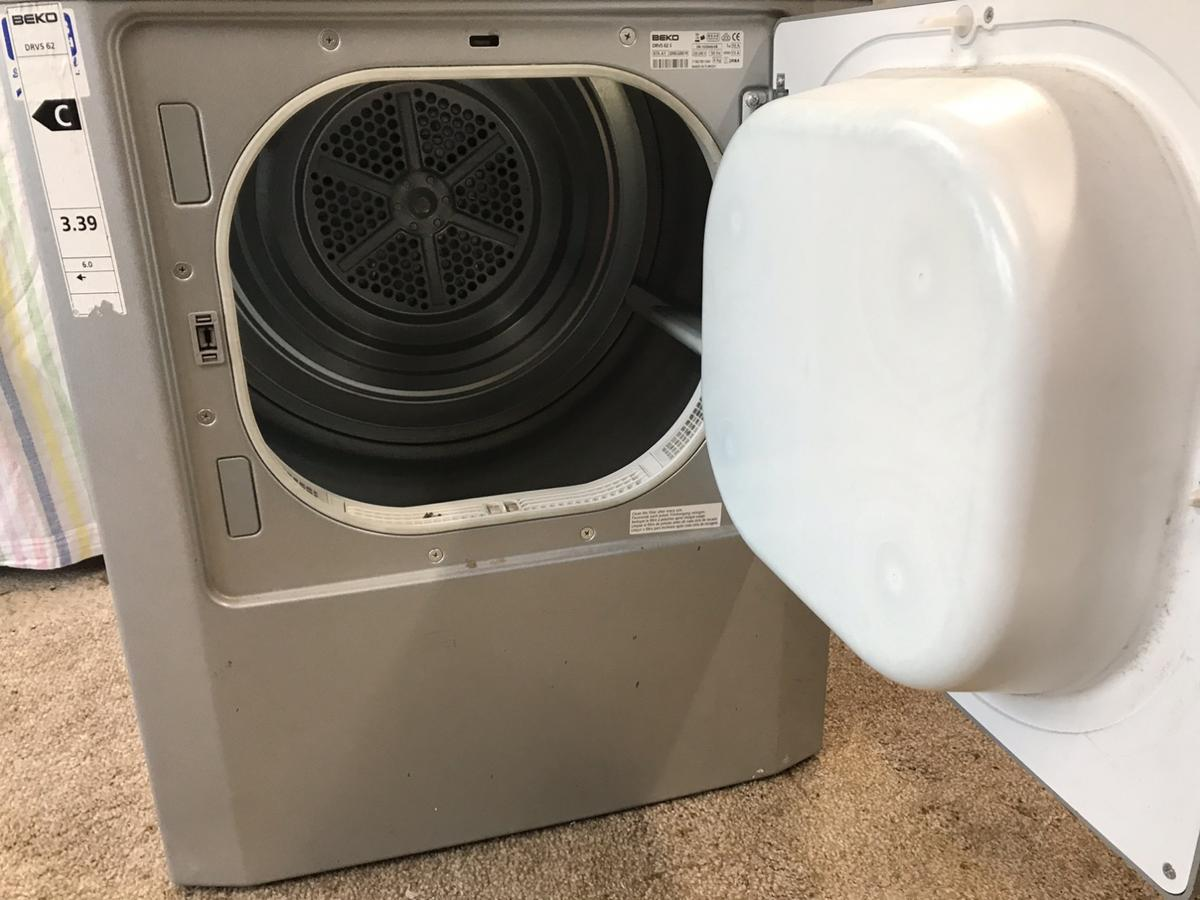 Beko tumble drier with hose. Can be seen working. Buyer to collect.