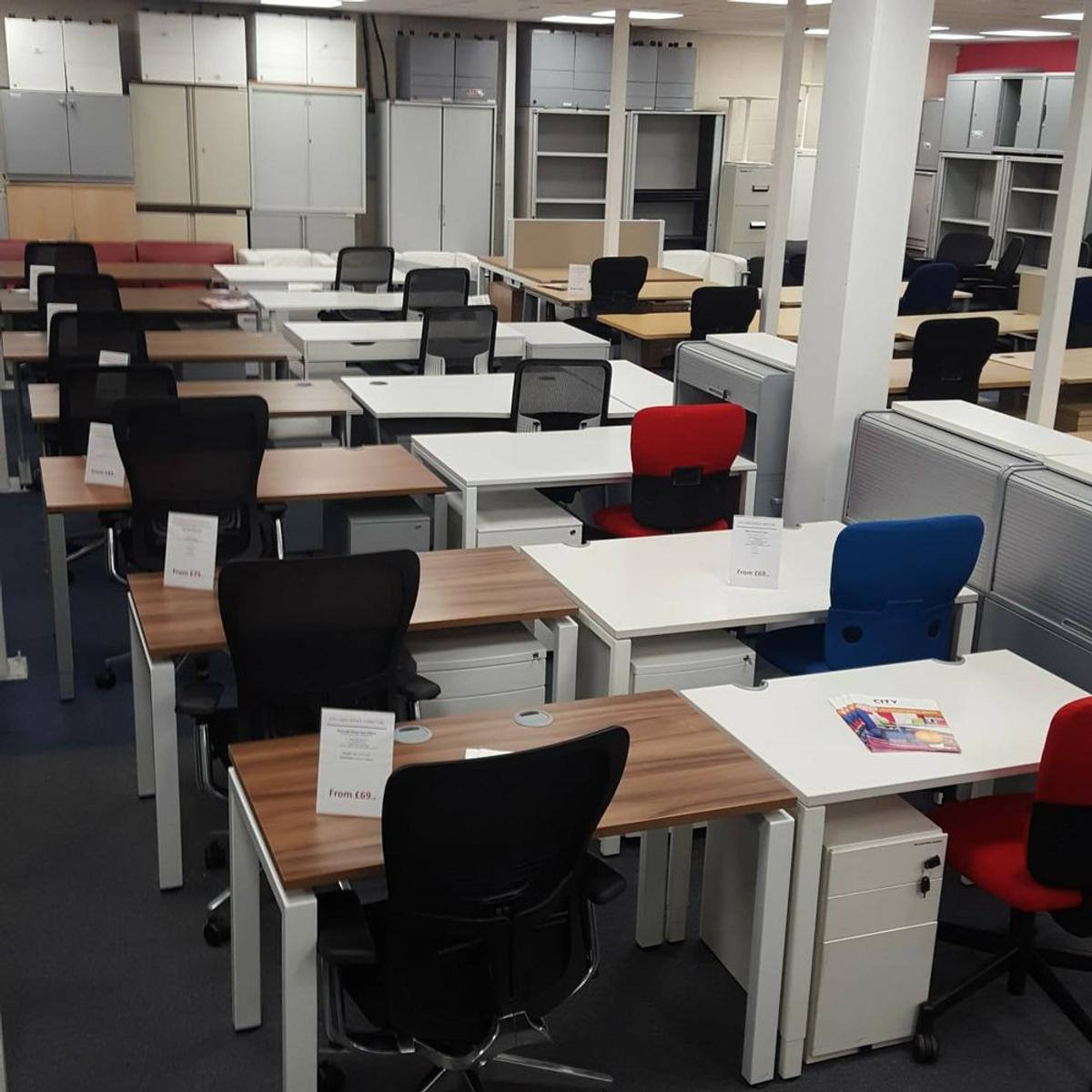 Used Office Furniture Sale Now On In Cm20 Harlow Fur 25 00 Zum Verkauf Shpock At