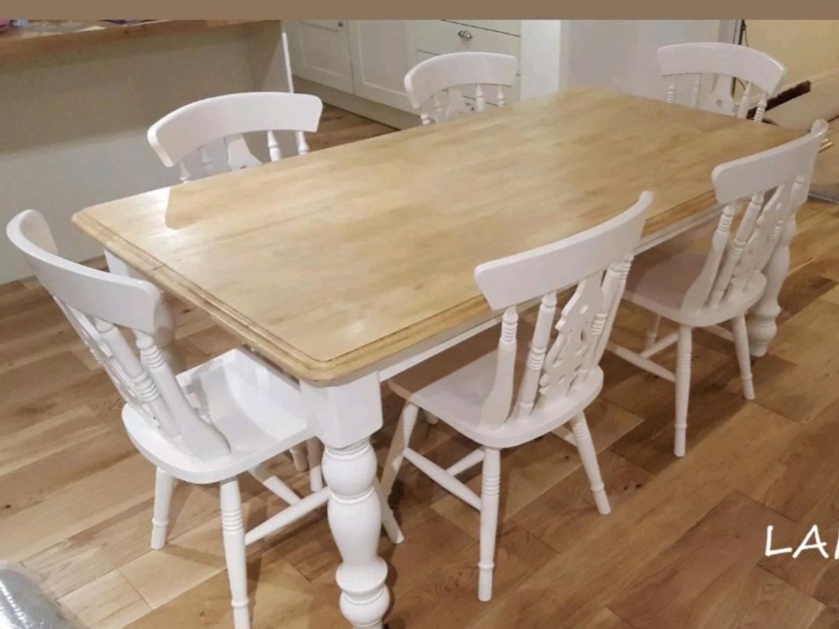 Stunning Farmhouse Table And Chairs Can Deliv In Ewood For 299 00 For Sale Shpock