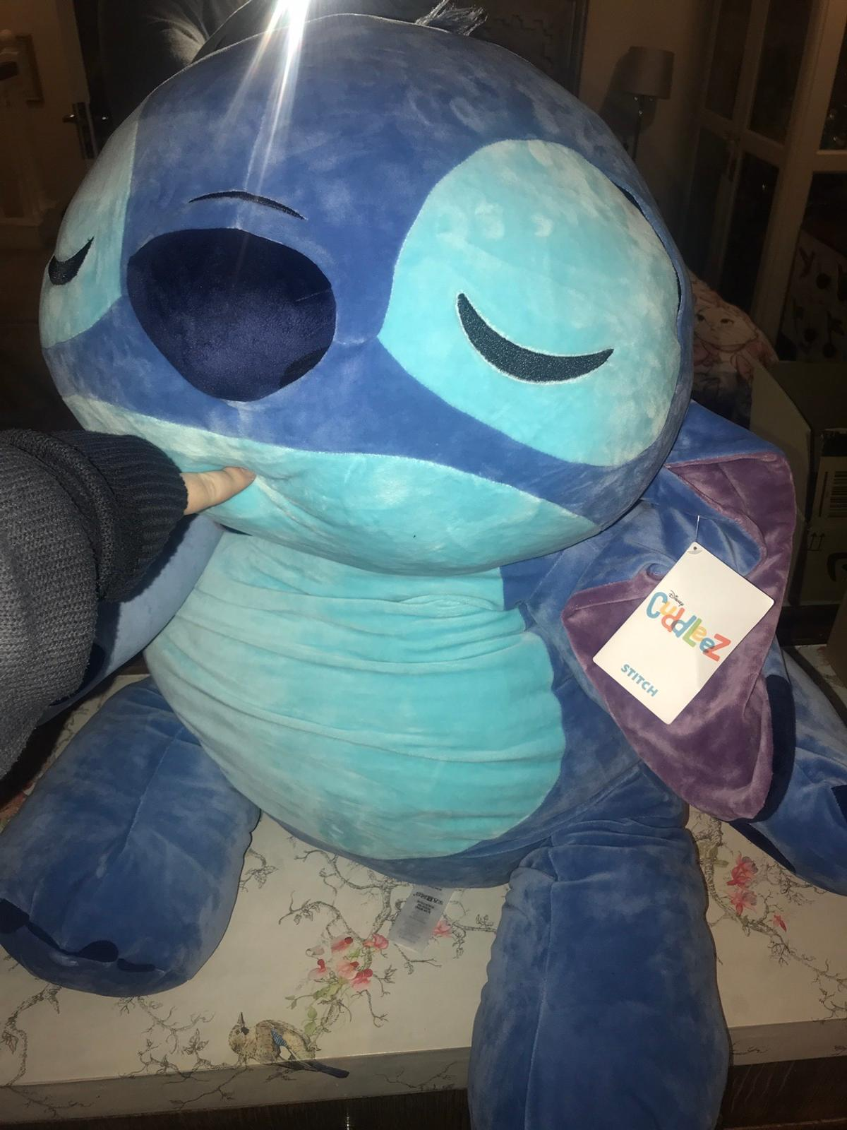 Flounder Stuffed Animal, Jumbo Large Disney Cuddleez Stitch Plush In Rm3 London For 30 00 For Sale Shpock