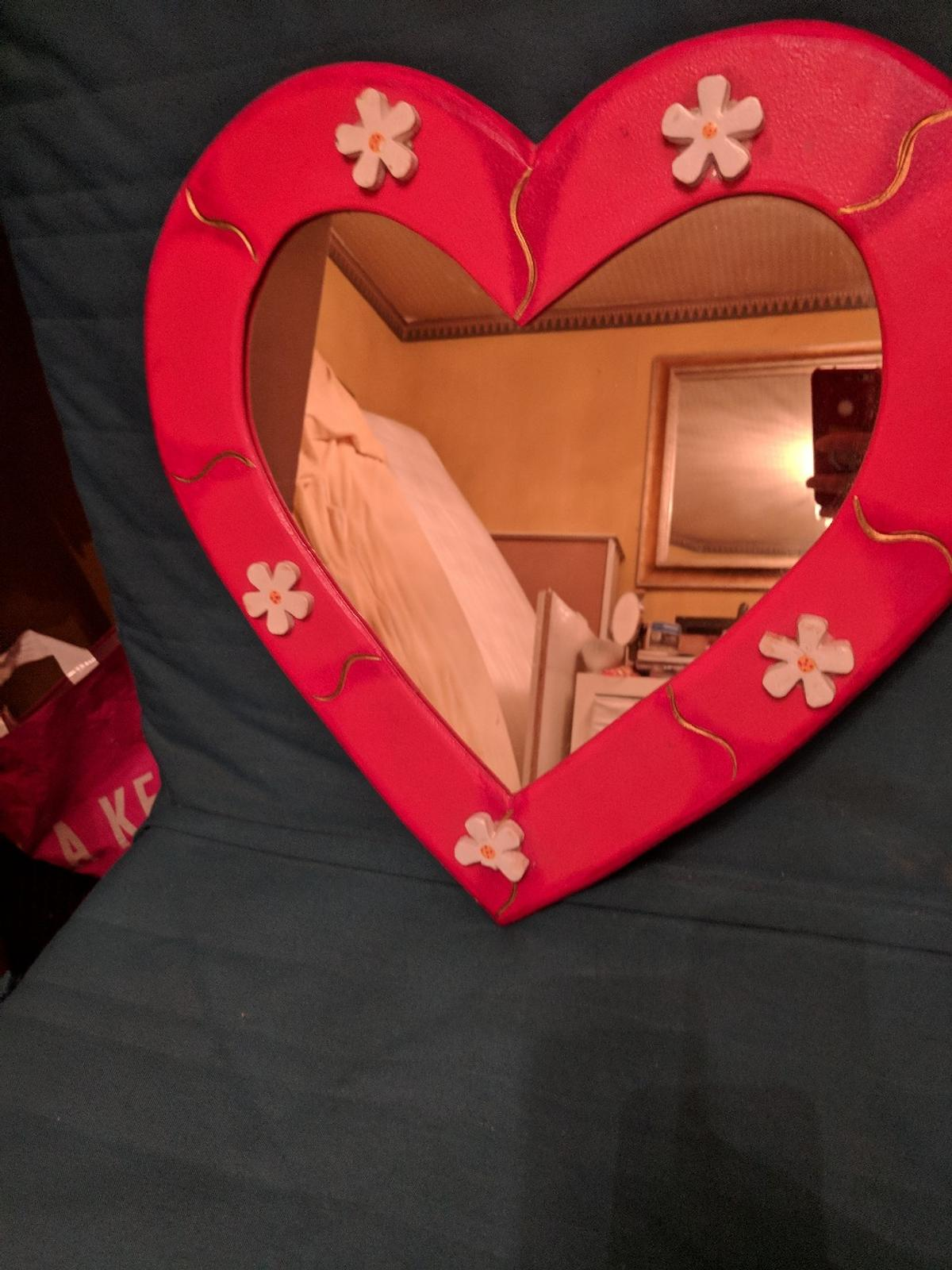 Heart Mirror In W13 London For 7 00 For Sale Shpock