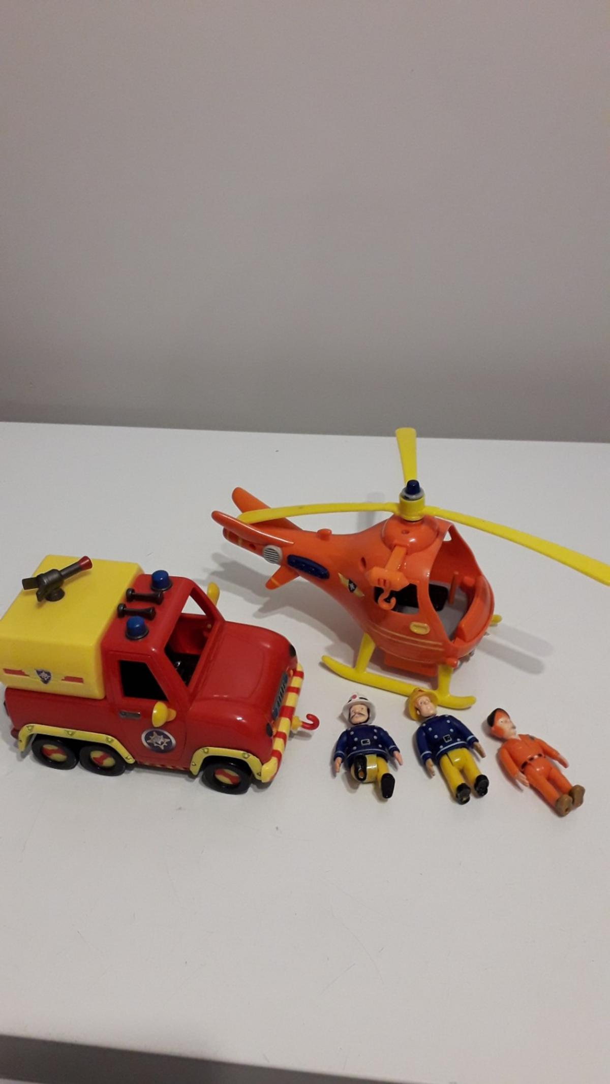 Fire engine , helicopter and 3 figures