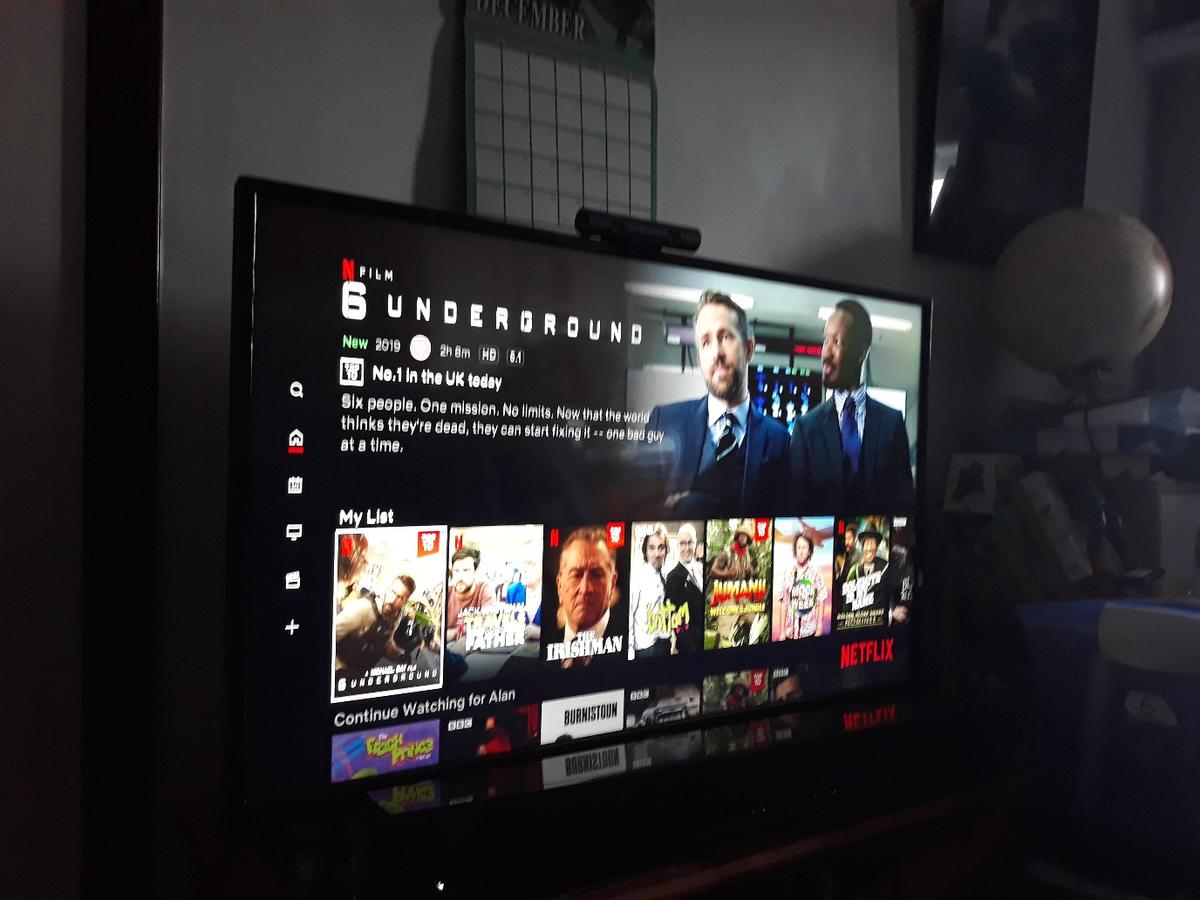 """1 excellent condition Hitachi 43,4k smart tv for quick sale, comes with original box etc, remote control, instruction manual,built in Netflix and YouTube etc, collection only,genuine reason for sale due to recent upgrade to a new condition Samsung 49"""" 4k smart TV"""
