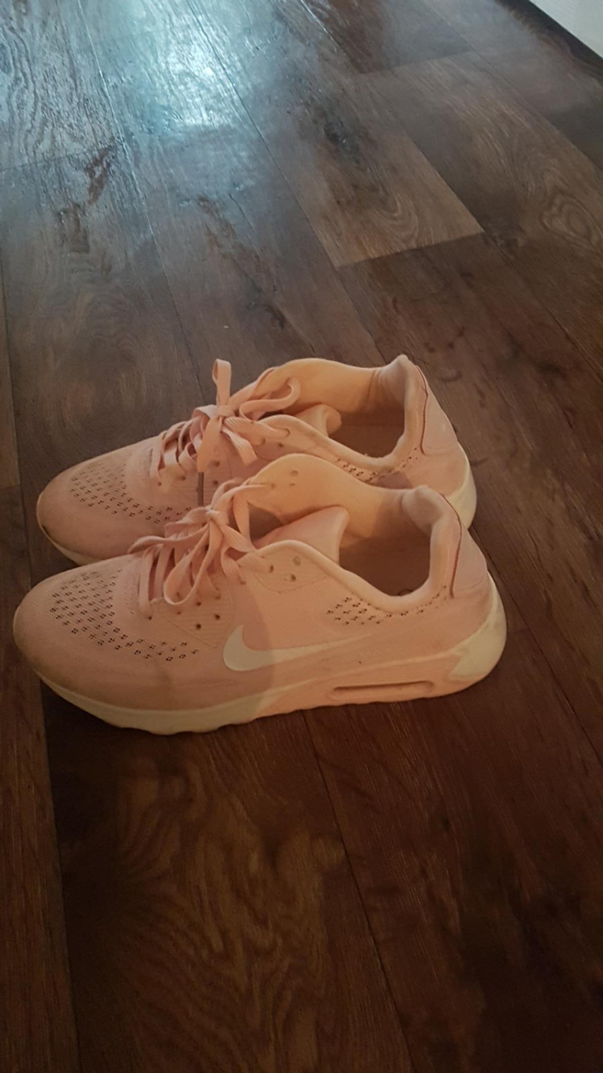 good condition size 7 collect onlt b31