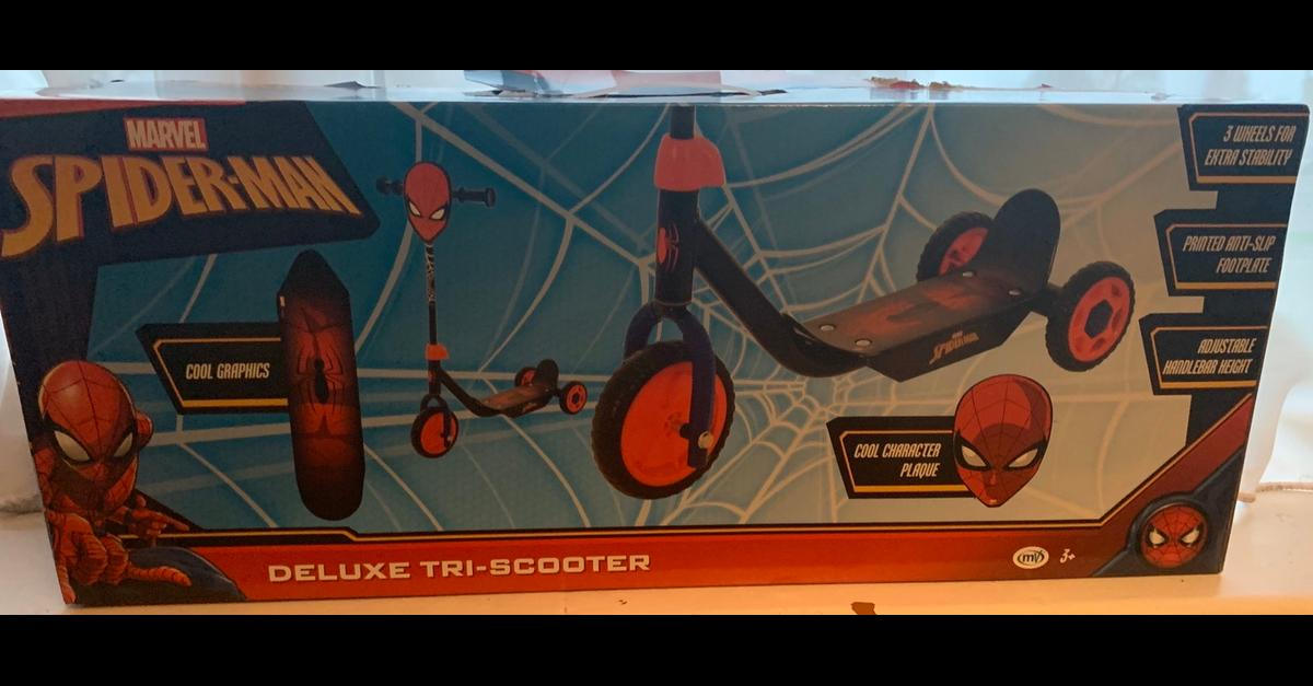 Spider-Man Deluxe Tri-Scooter Brand New Age 3+  Collection wexham