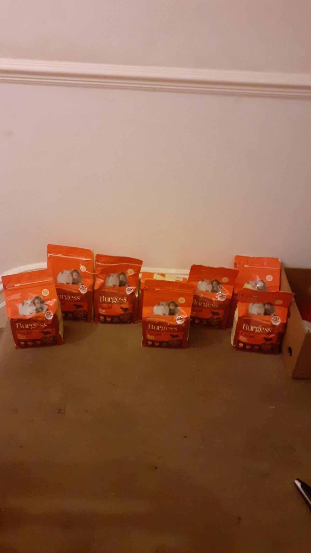 6 full bags of rat food there is 2 other bags but they are open