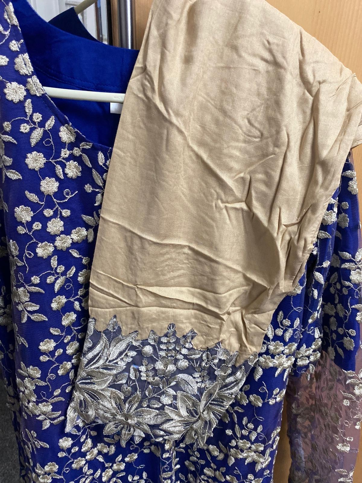 No duppata hence price  BRAND NEW Size large