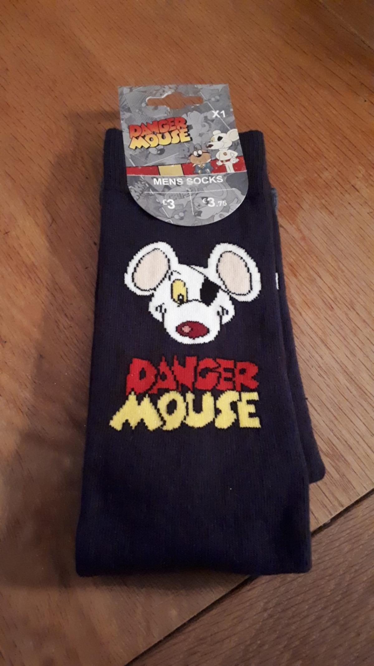 new mens danger mouse socks size 9-12 from smoke and pet free home.collection only