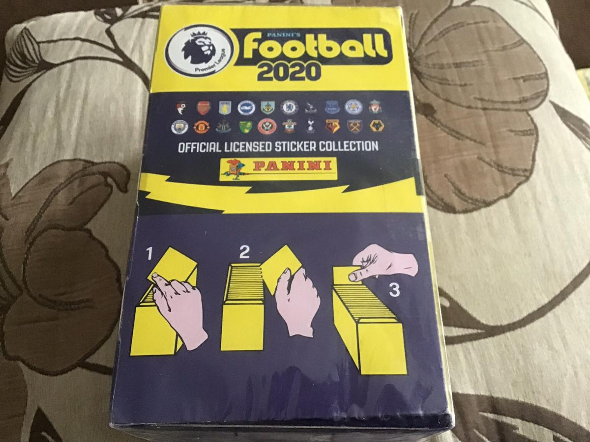 1 box of panini 2019/20 premier league stickers - 100 packets