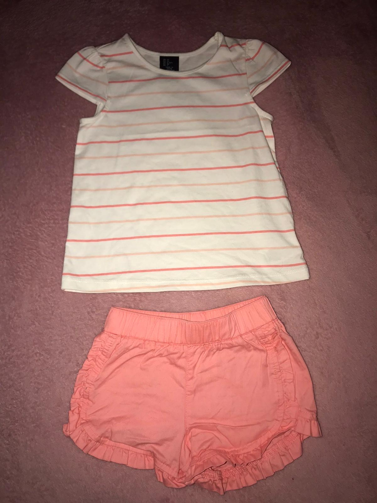 Baby Girl Outfit 2-3 Years  Used condition- sadly too small for my daughter.  Collection only from Belvedere DA17 Available on other sites- no offers thanks
