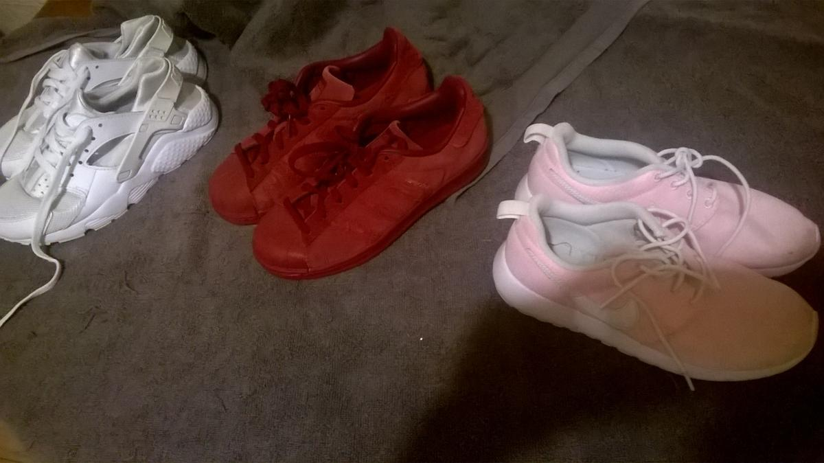 *GIRLS SIZE 3 * Worn a few times perfect condition Pink air runners size 3 Burgandy adidias size 3 White hurraches size 3 Pick up only 10£ for all three